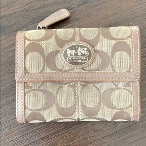 🛍3/$30 - Coach trifold wallet - beige and brown